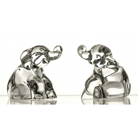 Set of crystal salt and pepper elephants containers